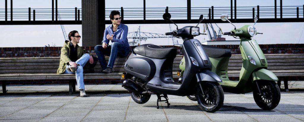 AGM Scooters - beschikbaar in diverse uitvoeringen - Mooties